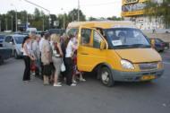 """Переполненные """"маршрутки"""" часто из за неравномерности загрузки транспортной линии"""