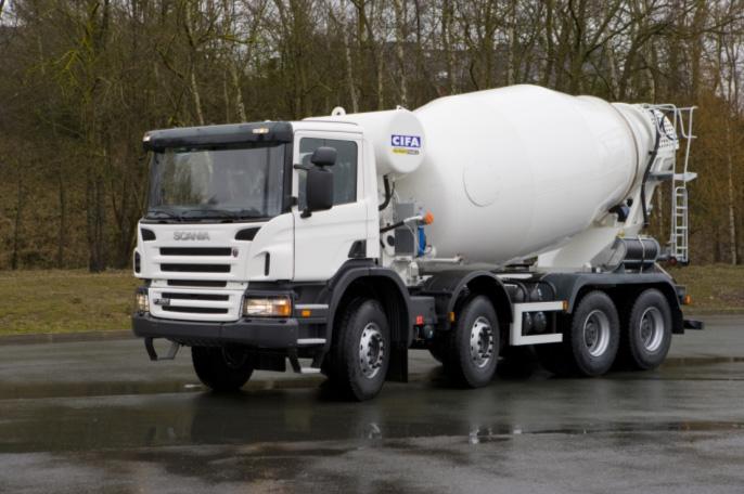 GPS мониторинг позволяет беновозу вовремя подвозит бетон на стройку