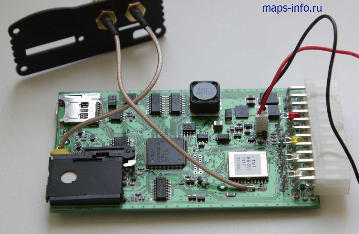 Внутреннее устройство ГАЛИЛЕО GPS. Основная сторона монтажа компонентов спутникового трекера.