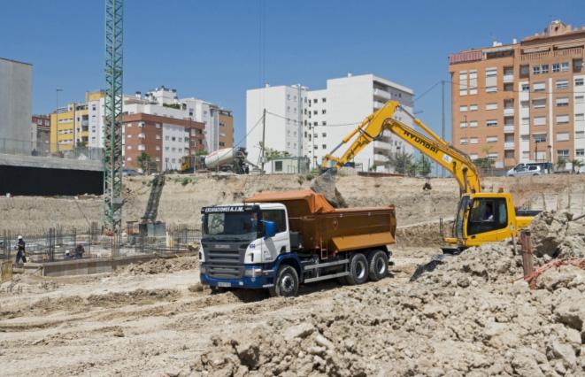 GPS контроль синхронизирует автомобильную и строительную технику
